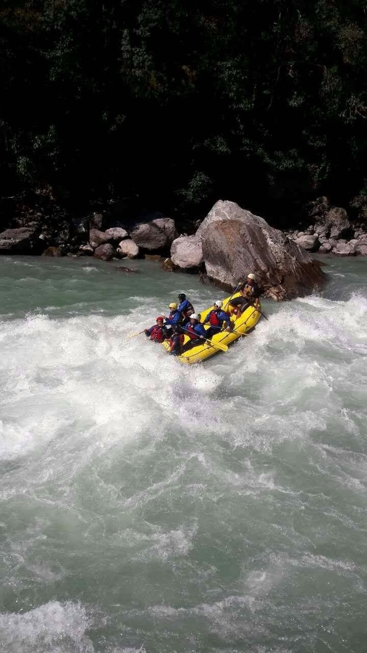 rafting is teamwork